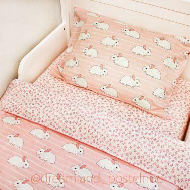 "Кролики на розовом белье ""Дримландия"""